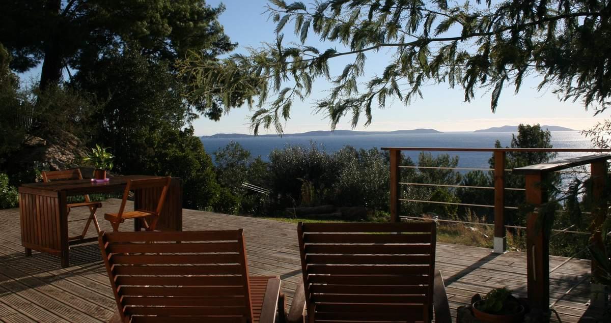 le-rayol-villa-viala-terrasse-vue-est